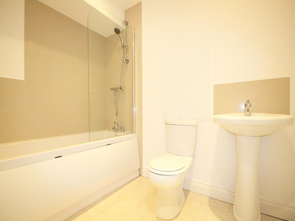 2 bedroom flat For Sale in Foulridge, Colne - IMG_0930.jpg